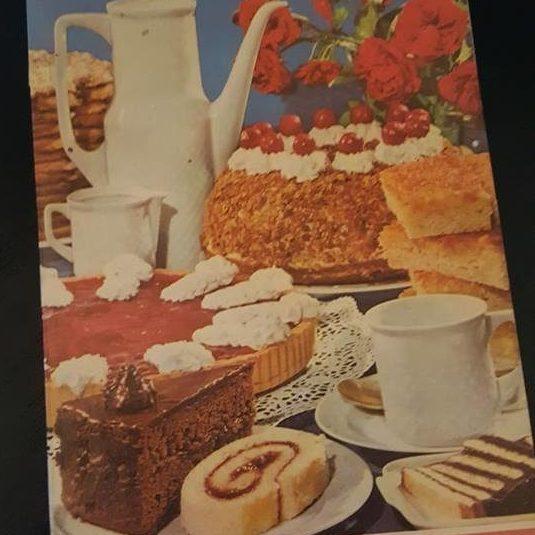 Titelbild eines Backbuchs aus den 1960er Jahren