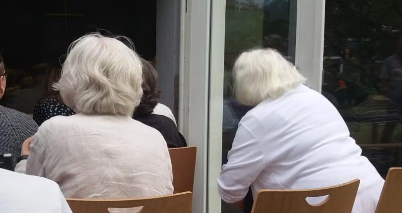 Wir fordern: Runder Tisch für die Senior*innenheime