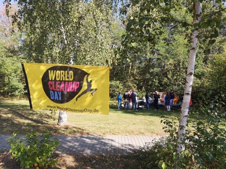 Aufräumaktion im Rahmen des World Cleanup Days
